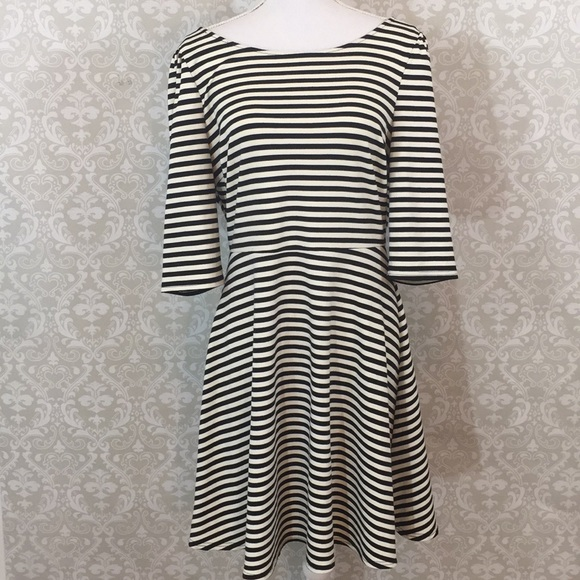 Pixley Dresses & Skirts - Stitch Fix Pixley XL cream/blk Striped Dress
